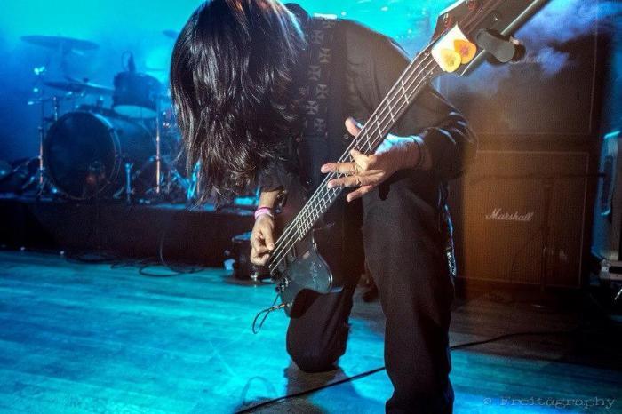 w-bass
